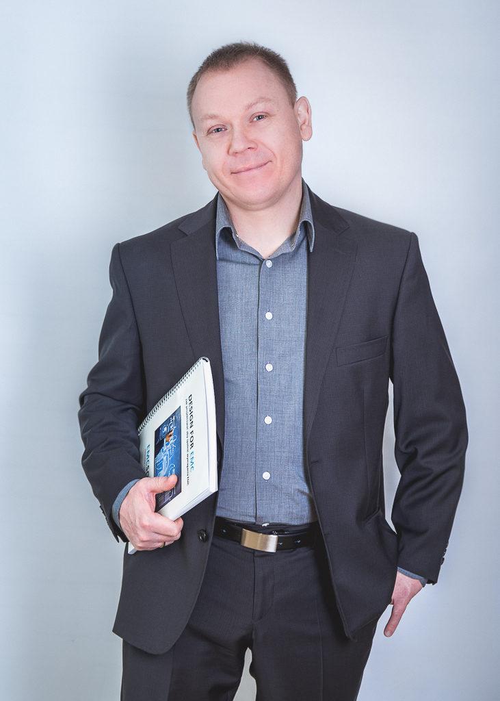 Szymon Kręblewski - trener, konsultant EMC, szkolenia EMC